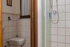 Bagno camera comunicante
